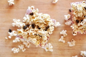 Cinnamon-Raisin-Popcorn!!_large